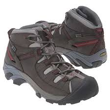 s keen boots clearance keen walnut mens targhee mid ii keen boys largest collection