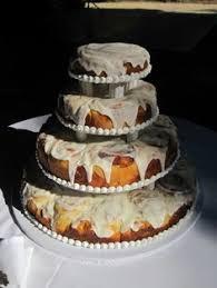 unique wedding cake alternative cinnamon rolls perfect for a