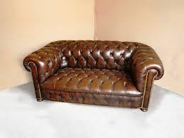 canapé capitonné chesterfield canapé chesterfield capitonné clous dorés jpg chaises tabourets