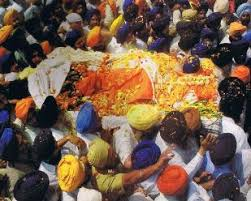sikhism funeral traditions religious traditions the funeral source