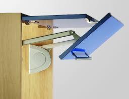 verin de porte de cuisine cuisinesr ngementsbains optimisez vos placards avec verin pour porte