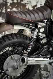 si e auto b questa è la moto di fabio bellio lui è proprietario di un altro