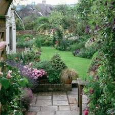 English Cottage Gardens Photos - english style yard with mown paths english gardens pinterest