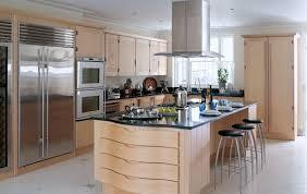 amenagement cuisine ilot central la cuisine avec ilot cuisine bien structurée et fonctionnelle