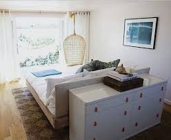 How To Arrange Bedroom Furniture In A Small Room The 25 Best Arranging Bedroom Furniture Ideas On Pinterest