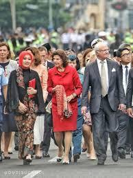 detik ridwan kamil foto gaya hijab si cinta istri ridwan kamil saat bertemu ratu swedia