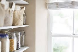 organizing the kitchen pantry in 5 steps