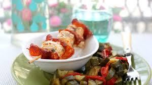 cuisiner courgettes recette brochettes de lotte au chorizo et fondue de courgettes
