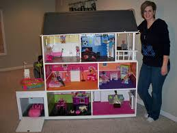 the coolest barbie house ever thinkin bout makin this for my