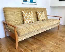 Retro Sofa Bed Best 25 Retro Sofa Ideas On Pinterest Retro Home Interior