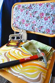 Size Staples For Upholstery How To Re Upholster Chairs Using A Staple Gun 11 Steps