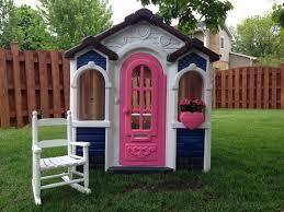 playhouse makeover with valspar spray paint for plastics