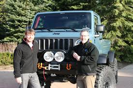 moab easter jeep safari concepts jeep reveals 470hp v8 wrangler and retro concepts at moab easter