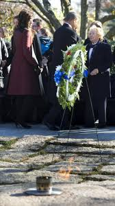 sister lays wreath at jfk grave at arlington the daily gazette