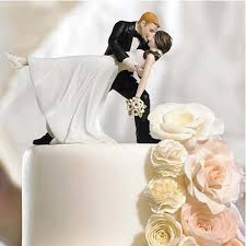 lovely wedding cake decoration white and black bride and
