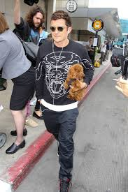 charles bentley wes bentley orlando bloom at lax with katy perry u0027s dog butters