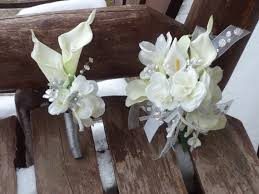 Corsage And Boutonniere For Homecoming 189 Best Para Graduacion Images On Pinterest Prom Flowers Wrist