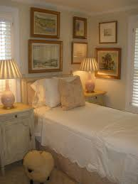 Best  Small Guest Bedrooms Ideas On Pinterest Simple Bathroom - Ideas for guest bedrooms