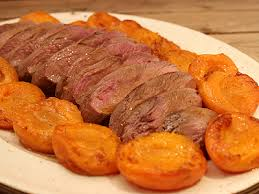 canard cuisine magret de canard aux abricots miel et thym la cuisine des jours