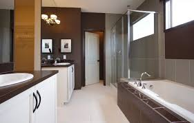chocolate brown bathroom ideas what colors work well with brown in the bedroom