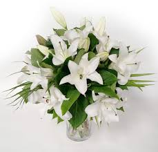 white lilies white lilies flower bouquets free delivery flying flowers