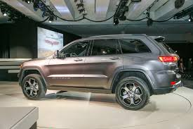 jeep grand cherokee 2017 grey 2017 jeep grand cherokee trailhawk summit first look review