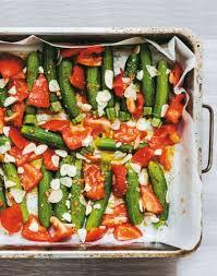 cuisiner de la courgette mini courgettes rôties à l ail et aux tomates régal