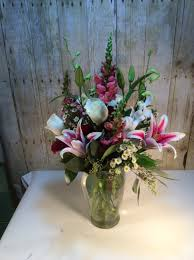 A Flower Vase Saugatuck Florist Flower Delivery By Back To The Fuchsia