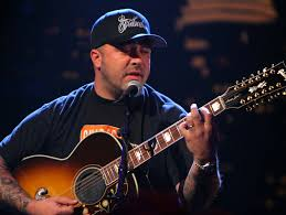 to see Aaron Lewis on his