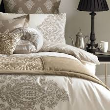 scarves and matching pillows bed of tennessee fabric rag 20 best bedding bed runners bed scarves images on pinterest bed