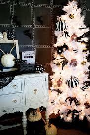 Decorated Halloween Trees 15 Halloween Tree Diy Decorations How To Make A Halloween Tree