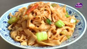 cuisine chinoise comment cuisiner des nouilles pelées sautées