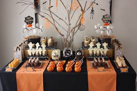 5 spooky halloween table layouts to try