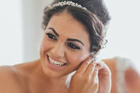 cheap makeup artist for wedding 7 tips your wedding hairstylist and makeup artist need you to