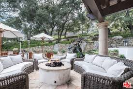 Rent Patio Furniture by Rent Louis Tomlinson U0027s Calabasas Mansion For 40k A Month