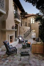 Patio Home Vs Townhouse Atrium Design Brings Together Indoor And Outdoor Living And Allows