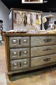 this dresser upcycling idea is a great diy project littlethings
