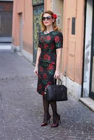 street style for over 40 spotlight on over 40 val of fashion and cookies elegantly