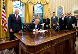 gold curtains in the oval office a midas touch or what does gold really mean to trump goldsilver com