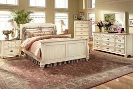 use cream bedroom furniture and get calming effect in your room