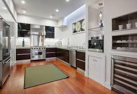 The Main Difference Between Hardwood And Laminate Flooring Is Kitchen Floor Types That Make Homes Look Amazing While Staying