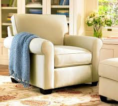 Reading Chair For Bedroom by Comfy Chairs For Small Spaces
