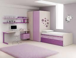 chambre fille pourvu d un lit avec rangement compact so nuit