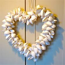 not big on the heart shaped wreath but will have to keep this in