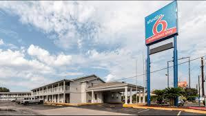 Hotels In San Antonio With Kitchen Studio 6 San Antonio Tx Ft Sam Houston Area Hotel In San