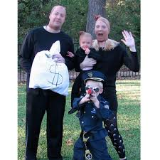 halloween costume robber 15 creative family halloween costumes i bambini clothing a