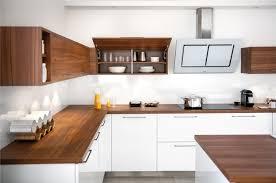 plan de travail bois cuisine 1001 modèles fascinants du duo cuisine blanche plan de travail bois