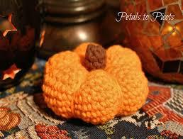 10 best free crochet pumpkin patterns
