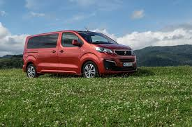 peugeot traveller allure test peugeot traveller standard 2 0 bluehdi 180 s u0026s eat6 allure