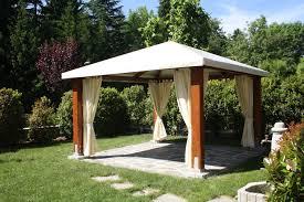 gazebo in legno per auto prezzi gazebo in legno tetto in tela classic proverbio outdoor design